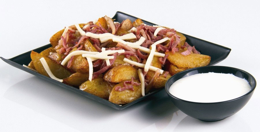 papas fritas con jamon y queso